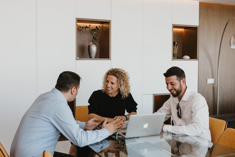 fotógrafo empresa en Barcelona. Fotografía corporativa lifestyle para negocios y emprendedores. fotografía para página web, comercio electrónico y redes sociales